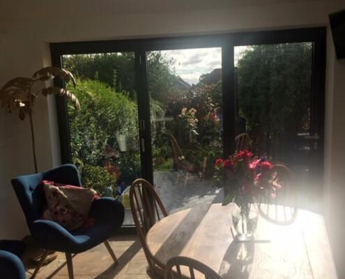 living-room-with-aluminium-doors